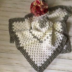 Crochet baby blanket with baby hat NWOT